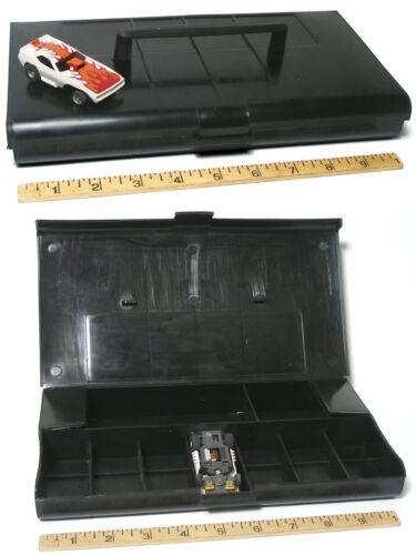 G-PLUS HO 7 Slot Car BLACK PIT KIT Carded Free Screecher 2pc 1972 Aurora AFX G