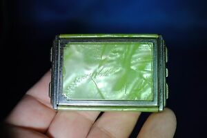 Girey Mother of Pearl Green Vintage Makeup Compact Mirrored Case - Pre-Owned