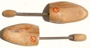 Shoe-Trees-Antique-Wood-Shoe-Care-GDR-Vintage-VEB-Vorwarts-50er-60er-44-46