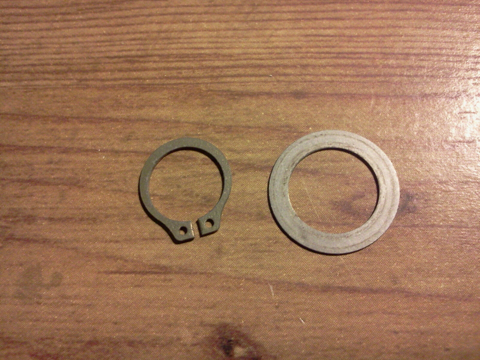 New//Used  Bendix magneto snap ring and washer for the distributor gear