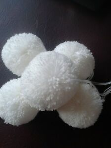 9f346a81123 Image is loading Wool-POM-POMS-5-Large-White-Balls-Handmade-