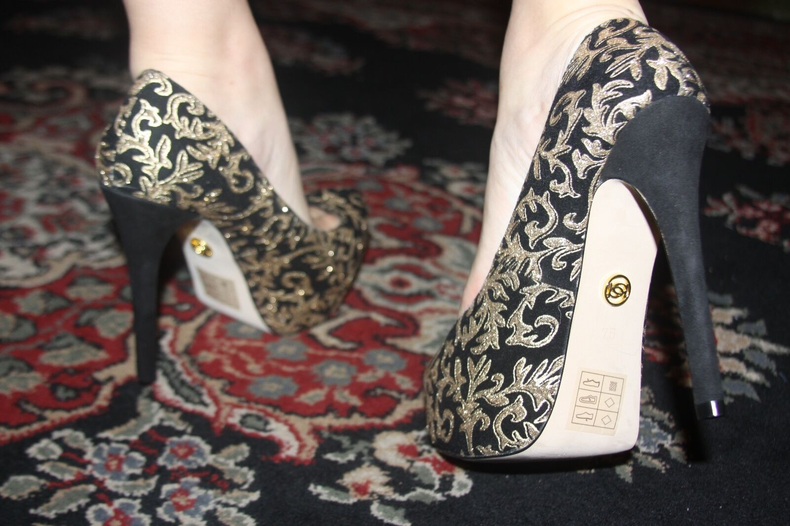 bebe TESSA BAROQUE PUMPS BLACK/GOLD SIZE 7.5