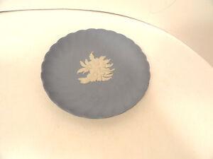Wedgwood-Blue-Jasperware-Scalloped-4-034-Plate-Butter-Pat