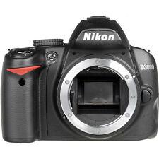 NIKON D3000 10.2 MP DIGITAL SLR BLACK w/CASE LOW SHUTTER COUNT (985) (BODY ONLY)