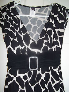 W-WRAPPER-JUNIOR-039-S-SIZE-S-PULLOVER-BLACK-WHITE-COW-PRINT-TOP-SLEEVESLESS-BLOUSE