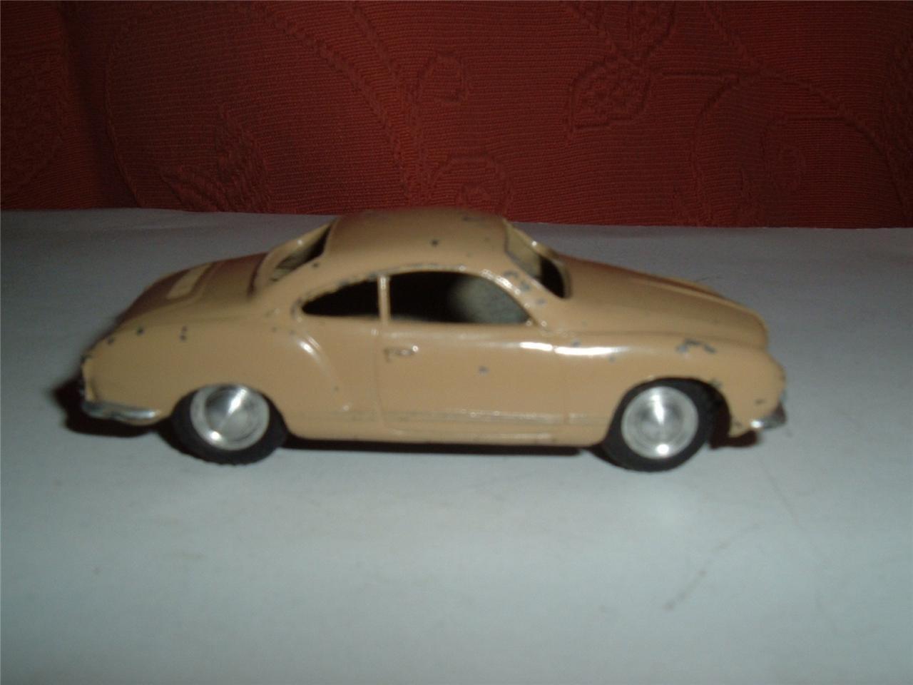 MARKLIN Allemagne 8021 KarFemmen Ghia Ghia Ghia Coupé utilisé vintage faites défiler pour les   | Mende  e2cc90