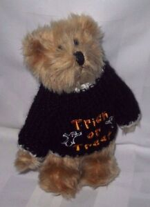 """1998 Berkeley Designs 7"""" Jointed Bear Halloween Removable Sweater Trick Treat"""