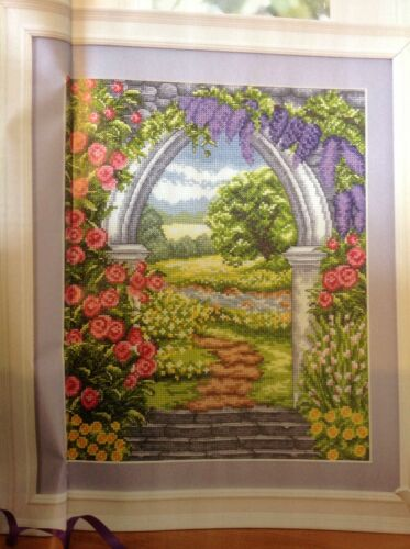 e Estate Paese Flower Garden Marble Arch Meadow cross stitch chart