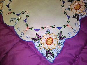 """High Quality Color Embroidered And Cutwork Madeira Linen Runner 27"""" By 12 1/2"""" Jade White Linens & Textiles (pre-1930) Antiques"""