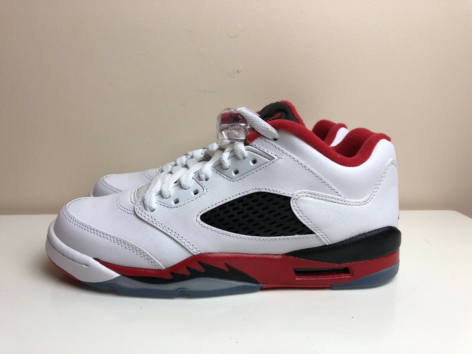Nike Air Jordan 5 Retro Low GS Chaussures Blanc Rouge UK 6 EUR 40 314338 101