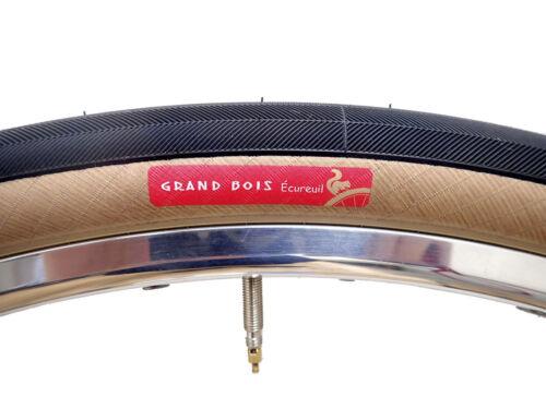 New Grand Bois ÉCUREUIL 650B x 38 Tire 240 g Super-Duper Light New in Bags ONE