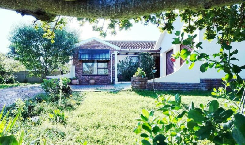 Family home for sale in Heiderand, Mossel Bay