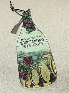 WINE-BOTTLE-SHAPED-GLASS-CHEESE-CUTTING-BOARD-WITH-SPREADER-KNIFE
