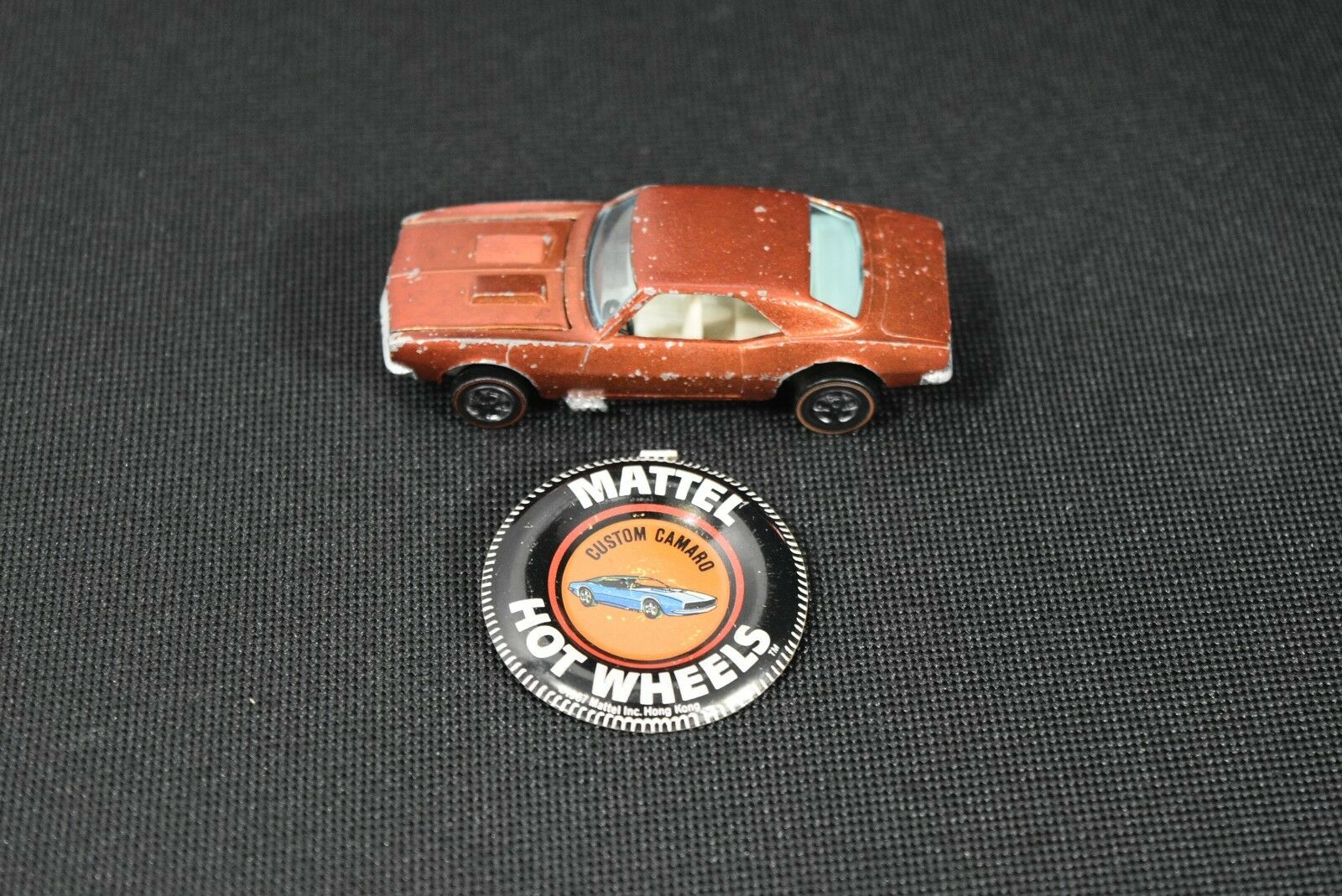 Original 1967 Hot Wheels rossoline Custom Camaro in arancia color with Button