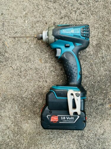 Bosch blue 18v Battery adaptor to Makita LXT Tools