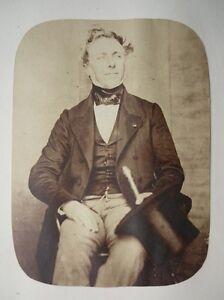 1853-Roger-du-Val-COMTE-DU-MANOIR-SALT-PRINT-CALOTYPE-PORTRAIT
