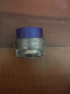 COVERGIRL-Olay-Facelift-Effect-Makeup-Light-Pale