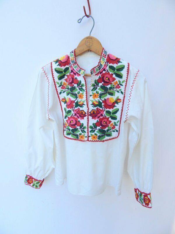 VINTAGE 50's/60's HUNGARIAN TOP~Needlepoint Embro… - image 1