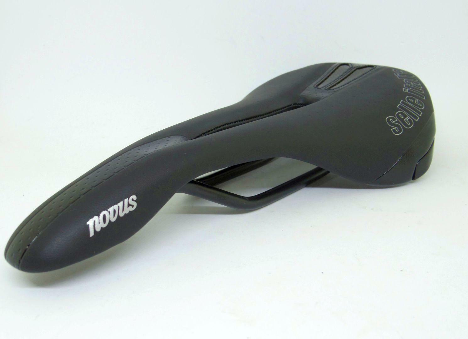 Selle Italia Novus Flow Saddle 252X146mm negro Carril de manganeso