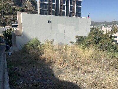 Terreno en venta en Lomas de Montecristo