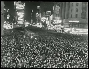 1938 New Years Eve Crowd Times Square NYC Type 1 Original Photo Crystal Clear!