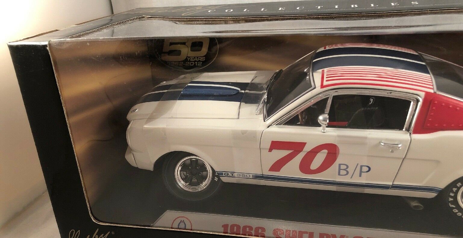 SHELBY SHELBY SHELBY COLLECTIBLES 1 18 1966 SHELBY GT 350R B P WHITE E VERY RARE a533a6