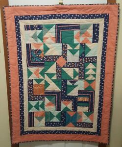 VINTAGE-HANDMADE-QUILT-TULIP-PATTERN-ABSTRACT-35-034-X-46-034-WALL-HANGING