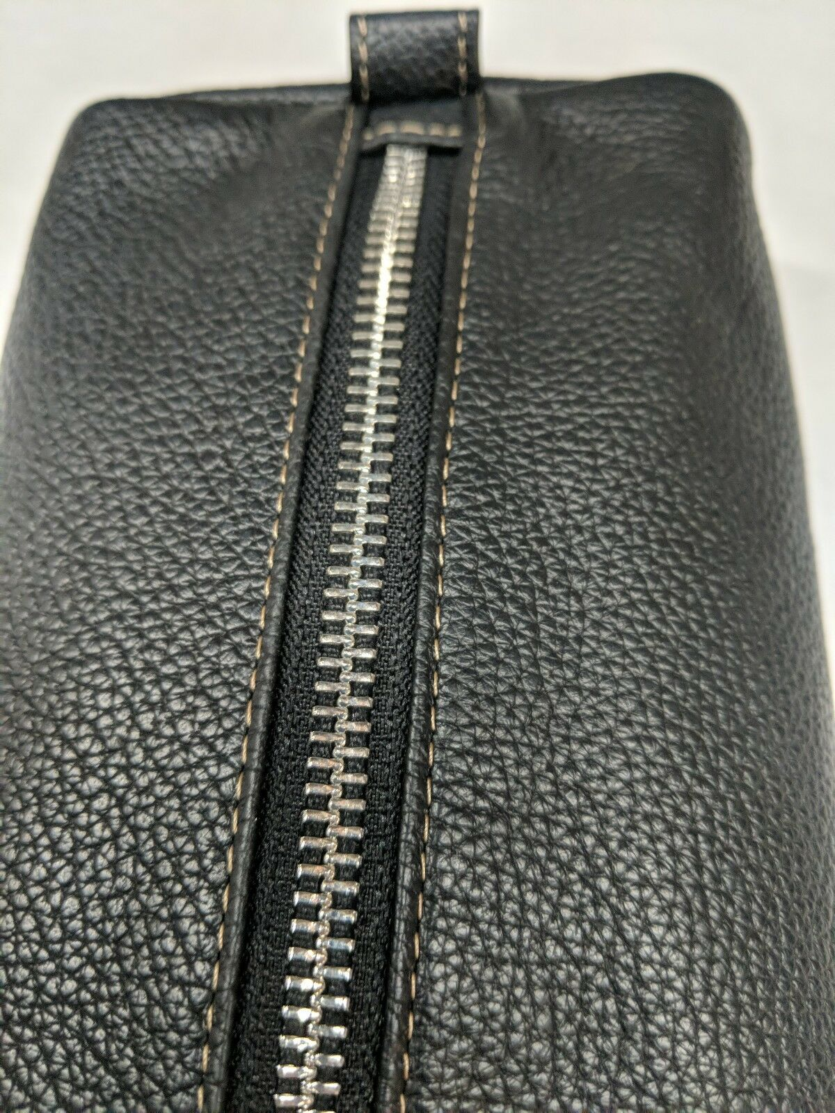 Bloomingdales Mens Leather Charger and Cord Case for Electronics Black