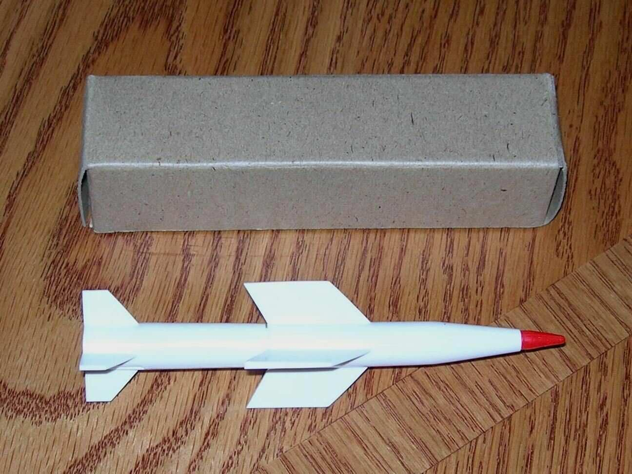 LIONEL 6650-80 RED TIP MISSILE IN REPLACEMENT BOX