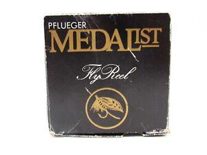Vintage-PFlueger-Medalist-1594RC-Rim-Control-Fly-Fishing-Reel-amp-Extra-Spool-NIB