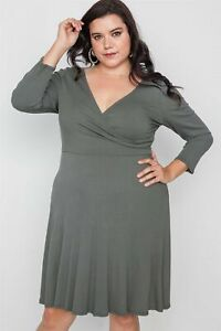 Plus-Size-Ribbed-Midi-Dress-With-Long-Sleeves
