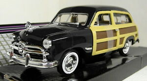 Motormax-1-24-Scale-1949-Ford-Woody-Wagon-Black-Diecast-model-car
