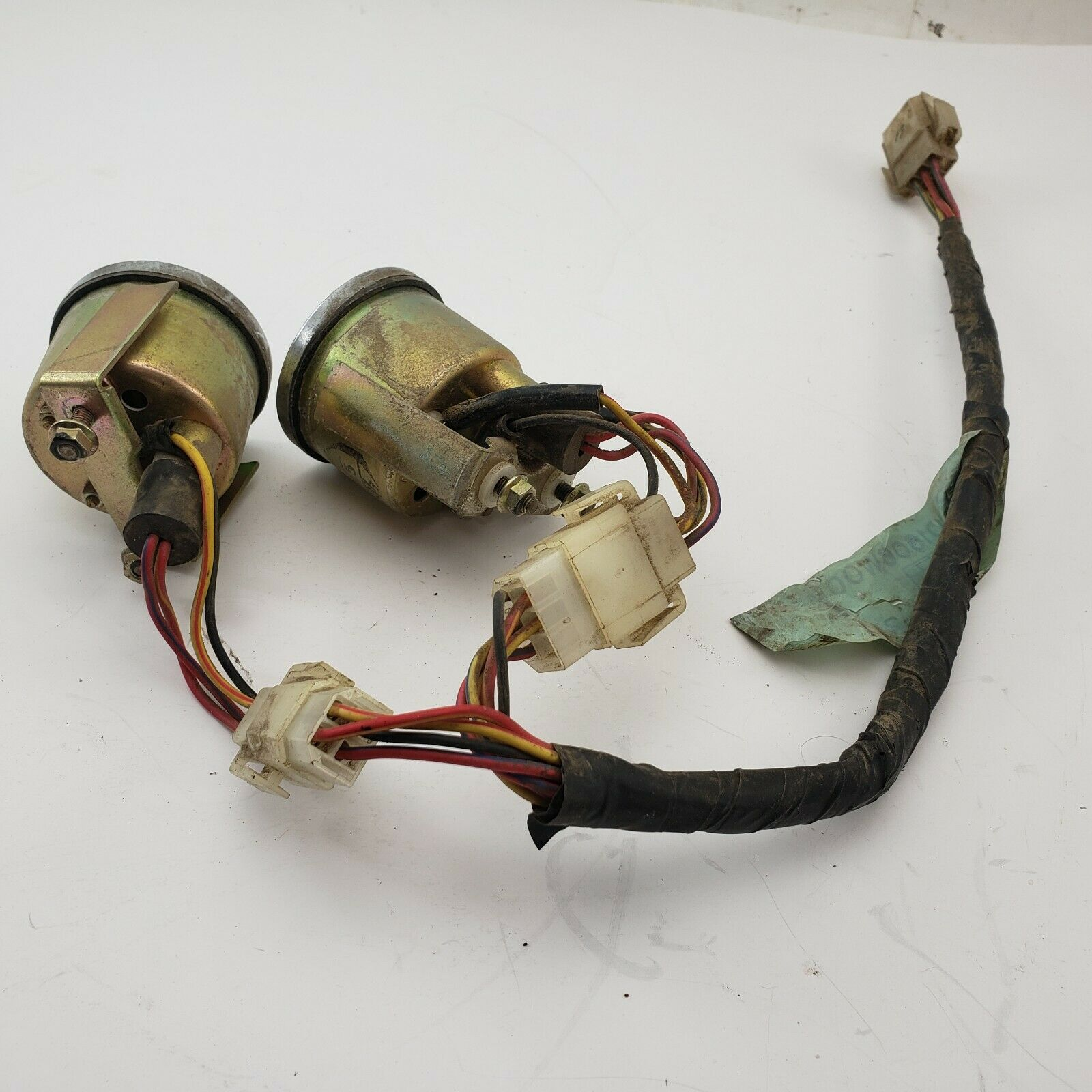 Image 41 - Nissan-720-83-86-Truck-1983-1986-Pickup-OEM-Center-Console-Gauges-amp-Jump-Harness