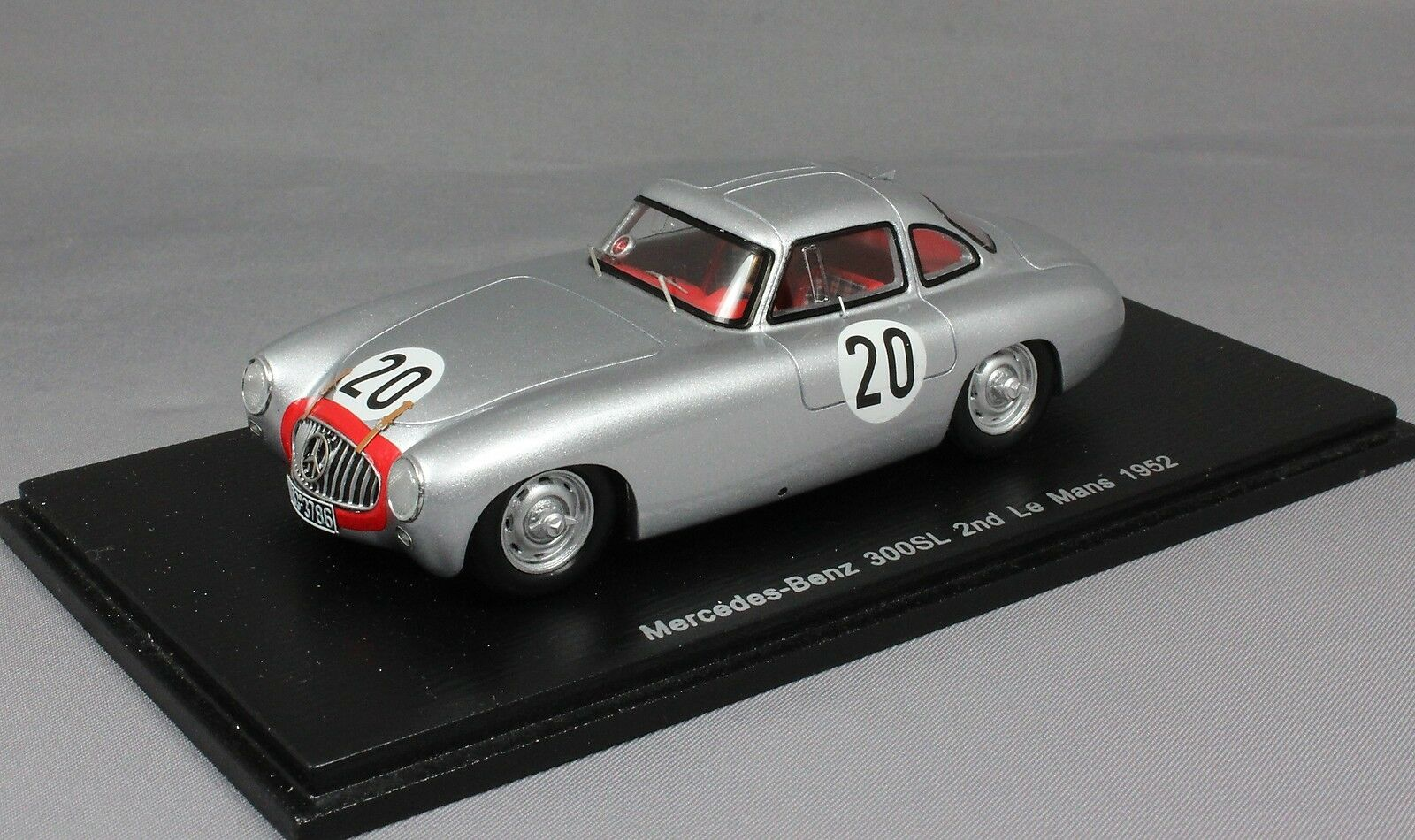 Spark Mercedes-Benz 300SL 2nd Le Mans 1952 Helfrich & Niedemayr S4408 1 43 Resin
