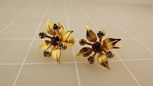 VINTAGE Gold Tone Purple Rhinestone FLOWER Clip On Screw Back Costume Earrings