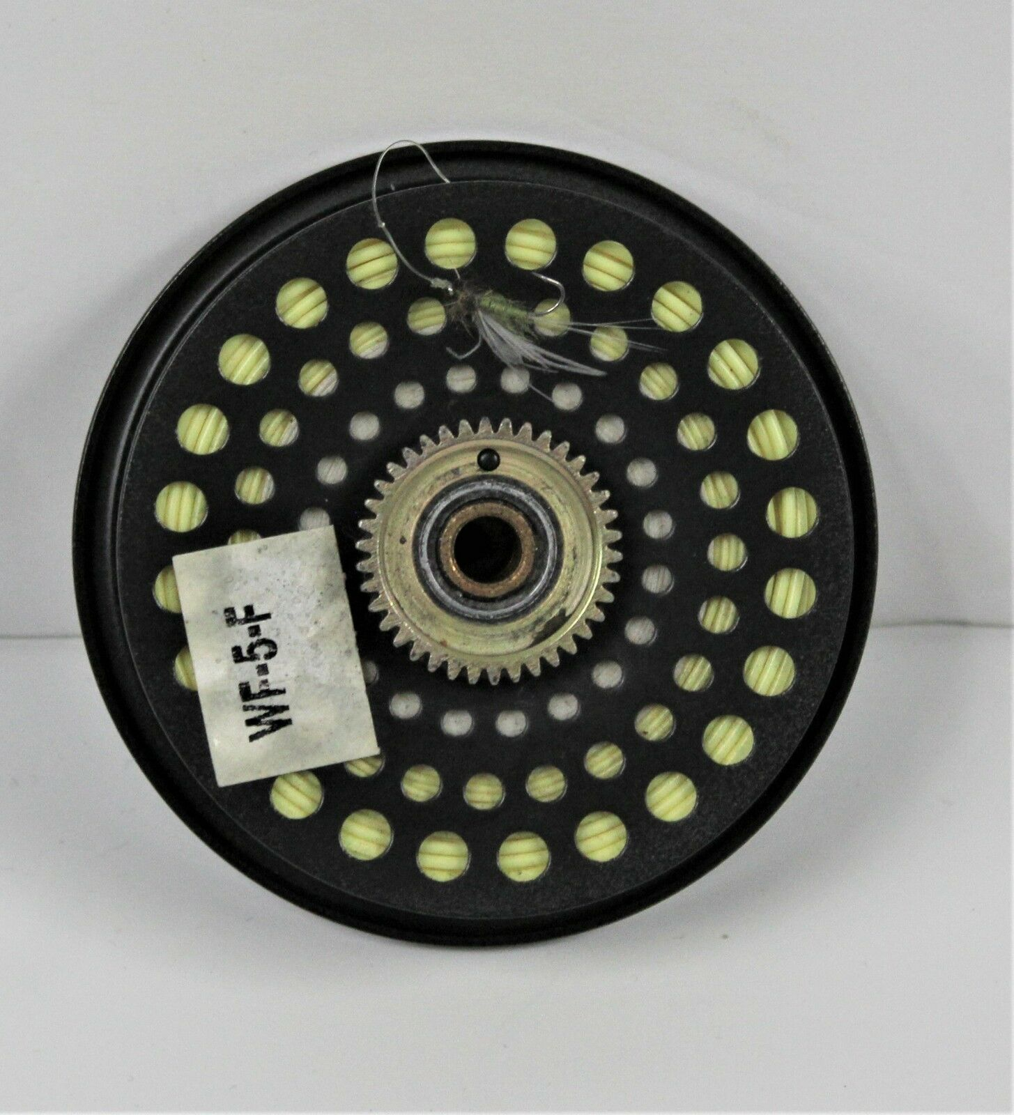 Orvis Clearwater Fly Reel line with Cortland 555 WF5F line Reel 5 In Case Good Condition 409075
