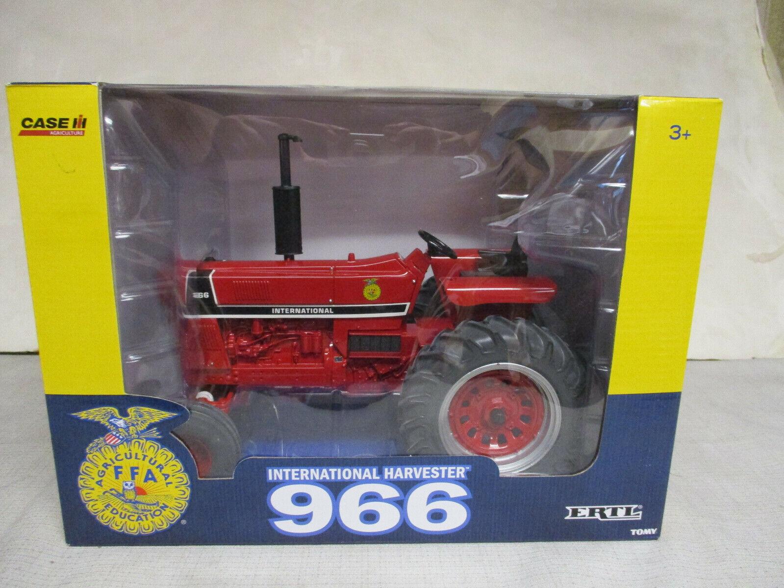 International Harvester 966 Toy Tractor  2014 FFA Edition  1 16 Scale, NIB