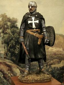 Hand-Painted-Medieval-Black-Crusader-Knight-With-Axe-Figure-15-cm-Realistic-Gift