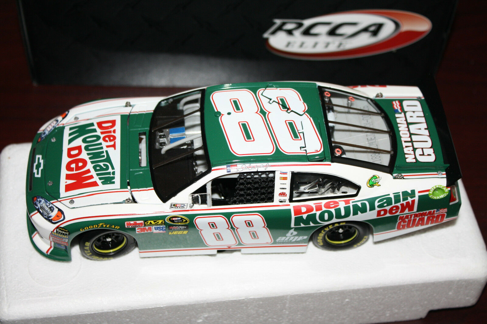 2011 Dale Earnhardt Jr Diet Mountain Dew Paint the 88 Elite 1 24 très difficile à trouver RARE