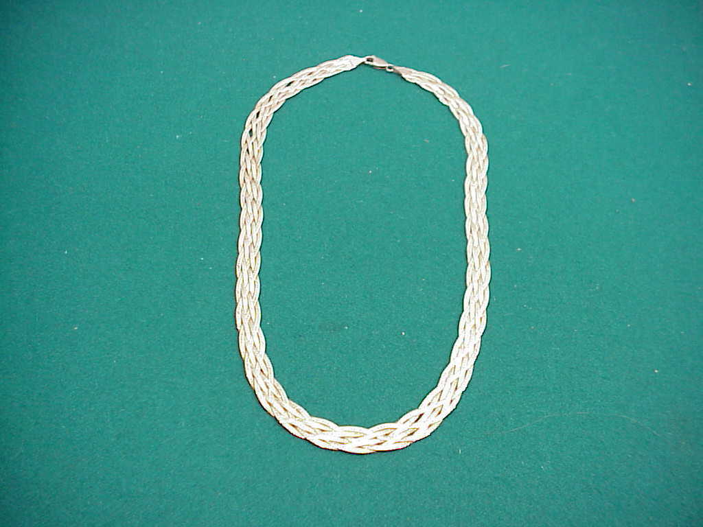 925 Sterling Herringbone 19 inches long lobster clasp preown