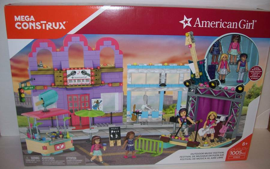 American Girl Mega Construx Outdoor Music Festival with 4 Dolls 1005 Pieces NEW