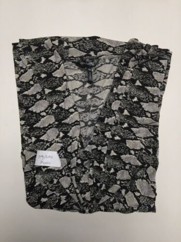 Daisy Fuentes Petite 3//4 Sleeves Knot Front V Neck Top Blouse PS-PM-PL-PXL NWT
