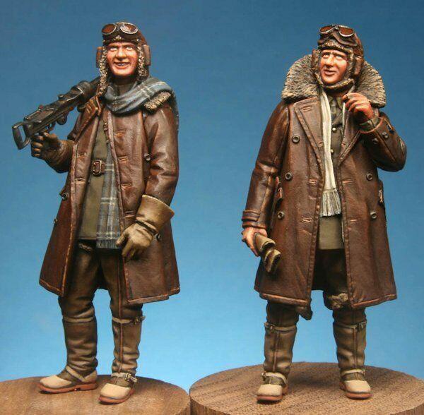 WW1 British RFC Pilot and Lewis Gunner, Resin 1 32 scale, Model Cellar MC32026