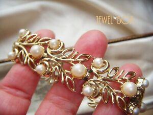 VINTAGE 1950s LUMINOUS GLASS PEARL GOLD TONE BROAD BRACELET att Coro Jewelcraft