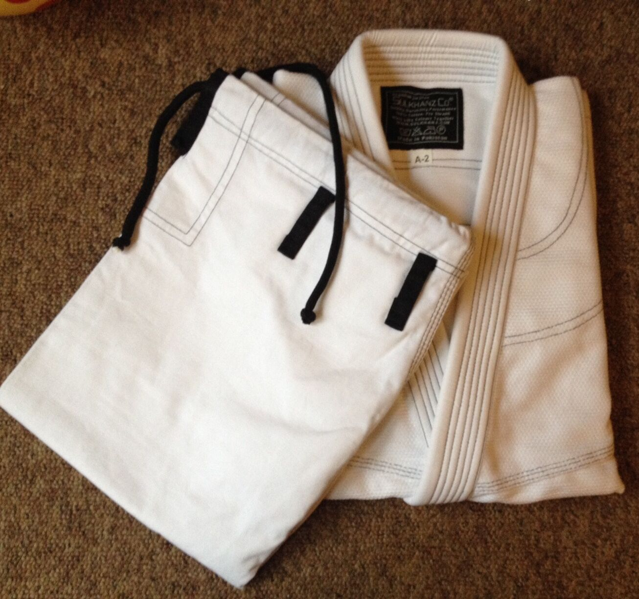 BJJ Gi WHITE Premium QualityContrast Stitch Brazilian Jiu Jitsu Pearl Weave BNIB