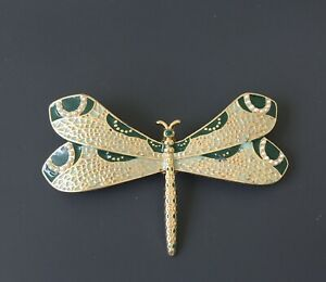 Unique-vintage-style-dragonfly-brooch-enamel-on-gold-tone-metal