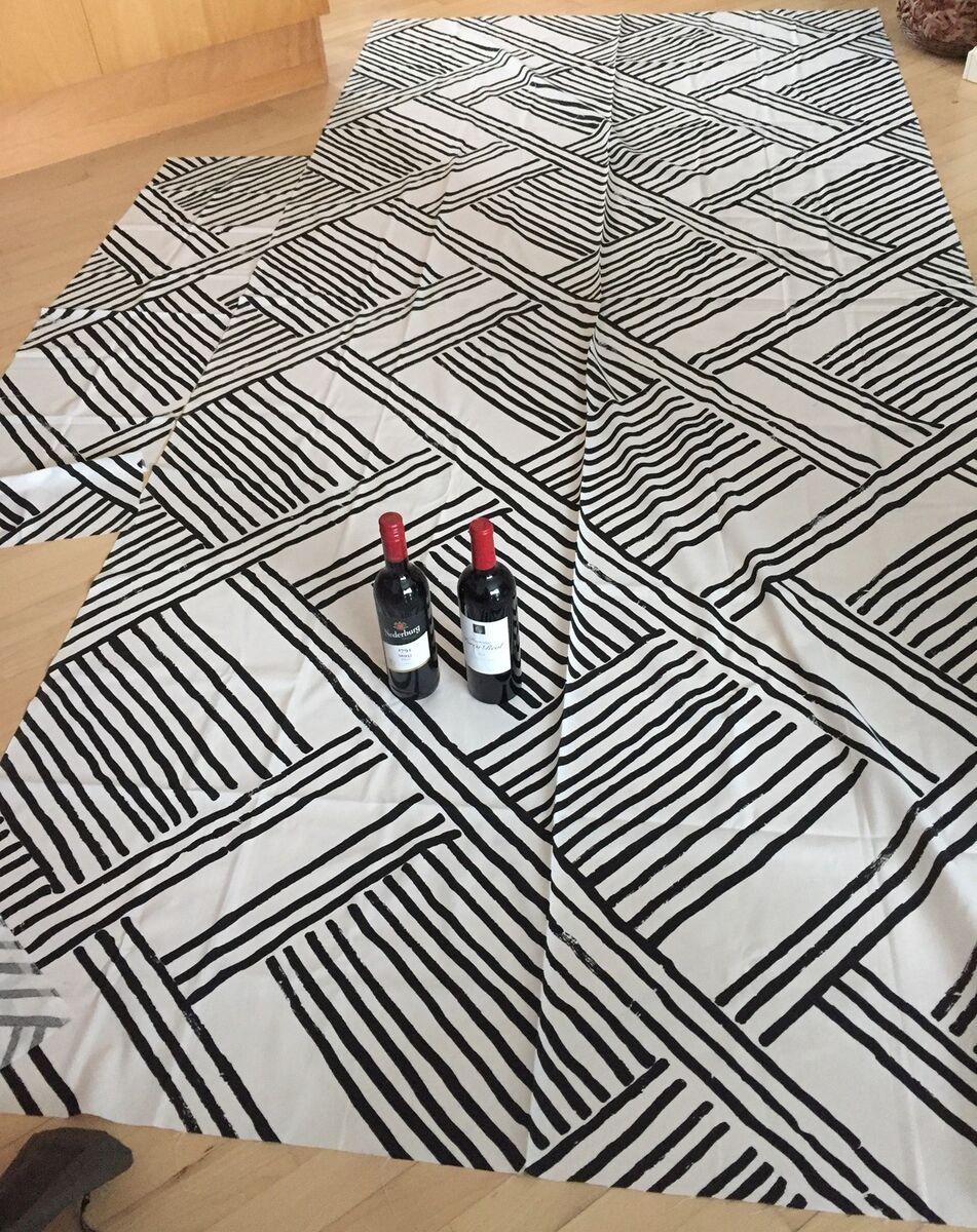 920f3685 Stof, stort stof grafisk sort/hvid – dba.dk – Køb og Salg af Nyt og Brugt