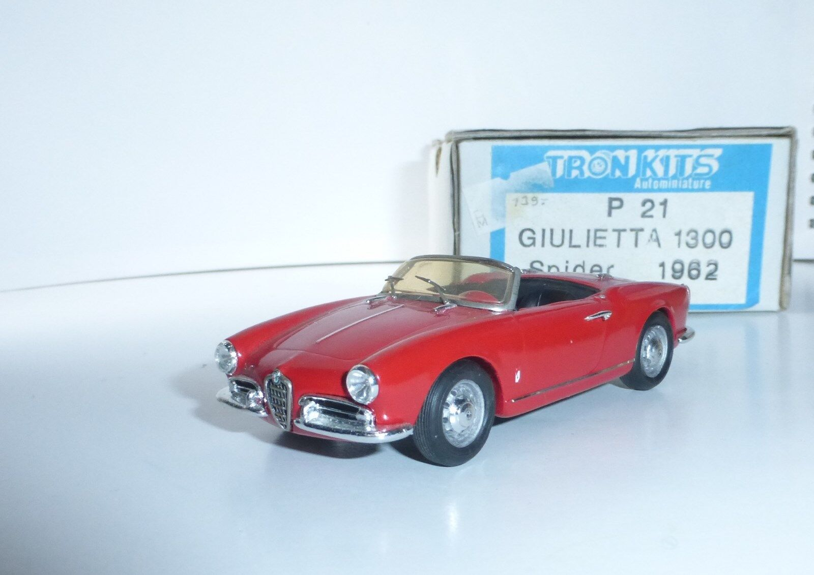 ALFA ROMEO Giulietta 1300 Spider rot TRON 21 1 43 n bbr looksmart model fb gulp