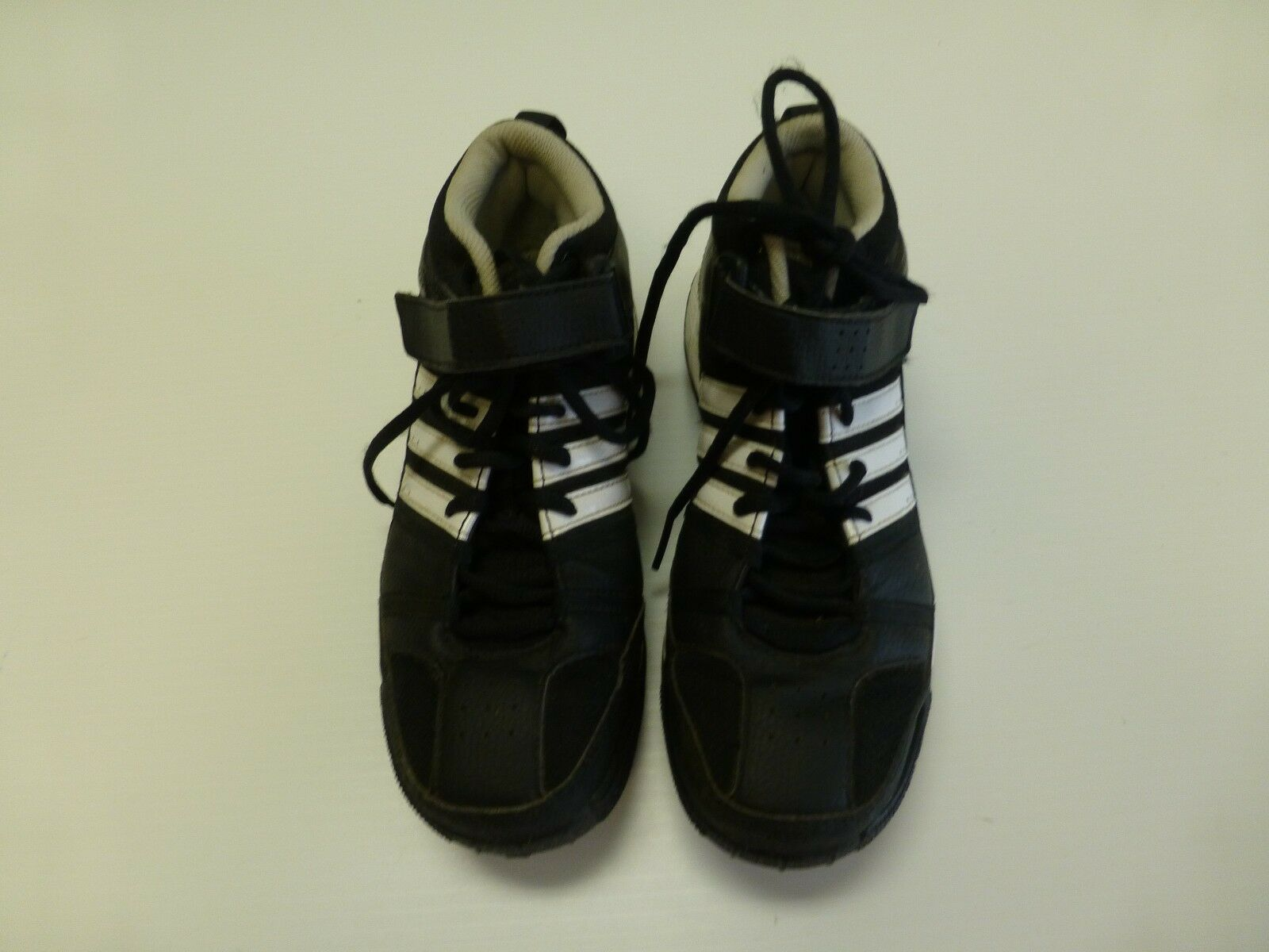Adidas Mens 6 Black and White Tie with Hook and Black Loop Athletic Shoes Great Condition 84705e