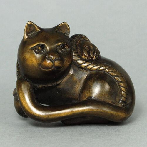 1940/'s Boxwood Wood Netsuke Sitting Cat Carving WN547